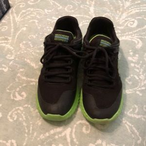 Used size 6 youth Skechers Boys Tennis Shoes